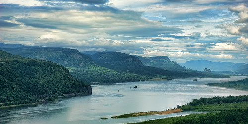 rock oregon river columbia gorge beacon
