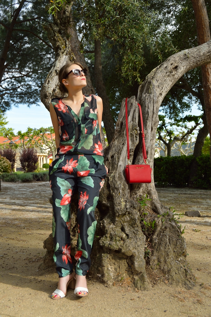 lara-vazquez-madlula-blog-fashion-color-jumpsuit