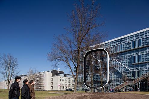 EWICON可以視需要彈性地調整尺寸或形狀,很適合安裝在城市裡。(攝影者: Mecanoo)