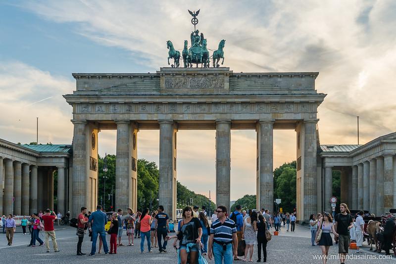 Puerta de Brandenburgo y plaza de París