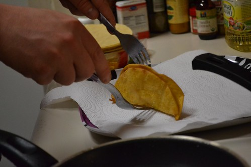 DIY crispy taco shell