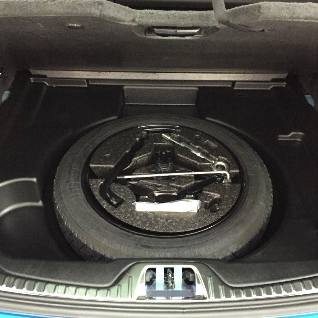 Genuine Volvo S60,V60 Spare Tire Jack and Lug Wrench Kit OE OEM 31316306