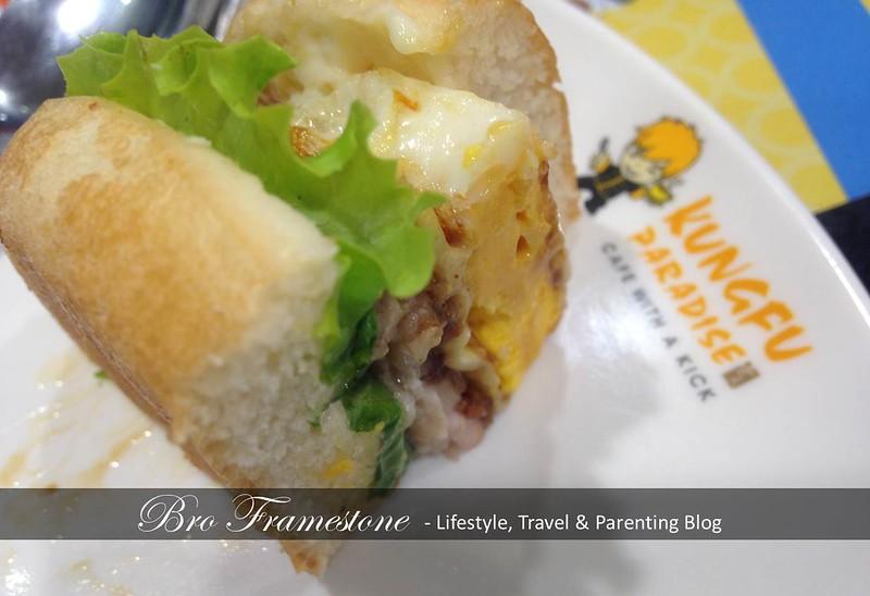 Signature Burger - Kungfu Burger @ Kungfu Bake Rice di Aeon Big Subang Jaya