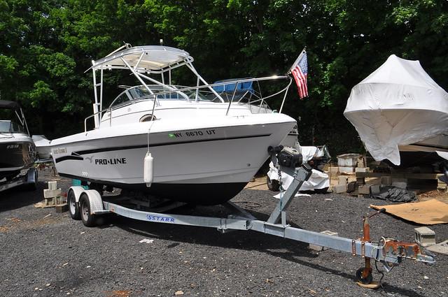 1999 Pro Line Boat Co 22 WALKAROUND