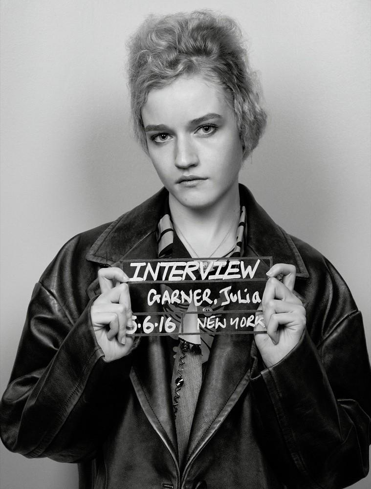 Джулия Гарнер — Фотосессия для «Interview» 2016 – 2