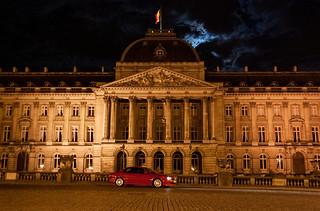 Ma Jaguar X-Type devant le Palais Royal de Bruxelles