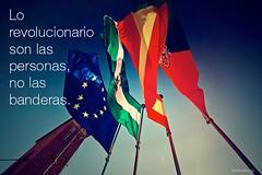 lo_revolucionario_banderas_2