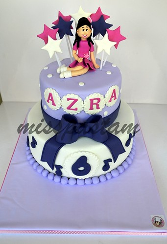Azra 's birthday cake by MİSSPASTAM