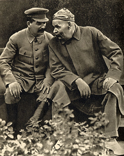 475px-Joseph_Stalin_and_Maxim_Gorky,_1931