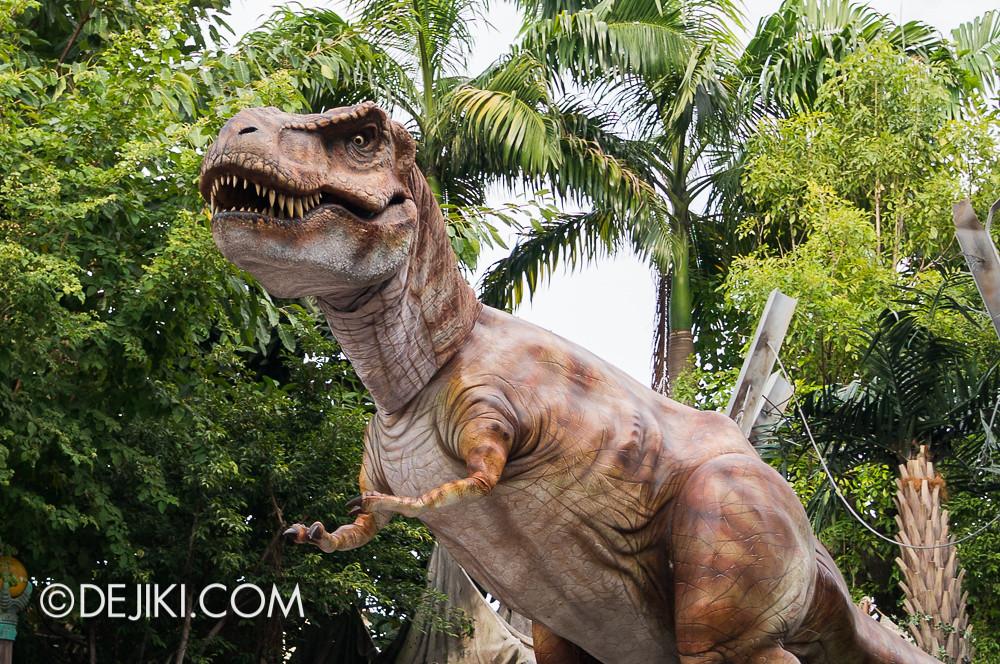 Universal Studios Singapore - Hollywood Dreams Parade - Jurassic Park - T-Rex