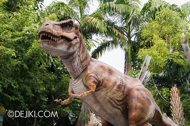 Universal Studios Singapore - Hollywood Dreams Parade - Jurassic Park - T-Rex