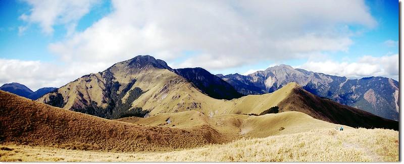 油婆蘭山北眺雪、劍連稜