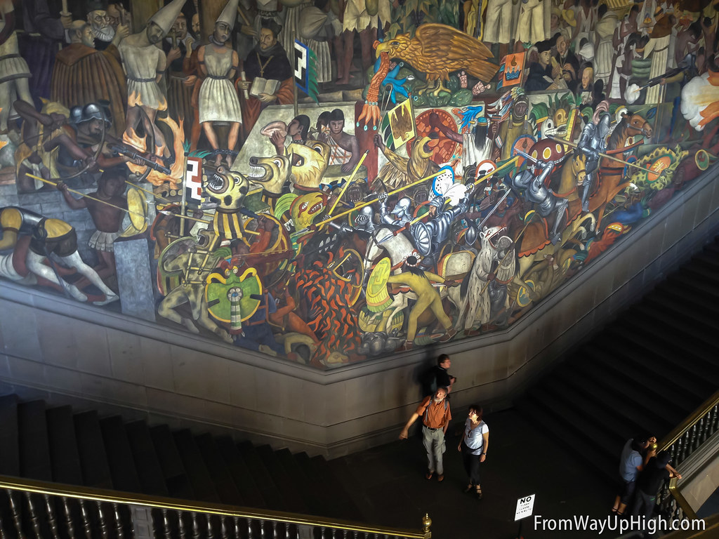 Video mexico city 39 s zocalo from way up high from way up for Diego rivera famous mural