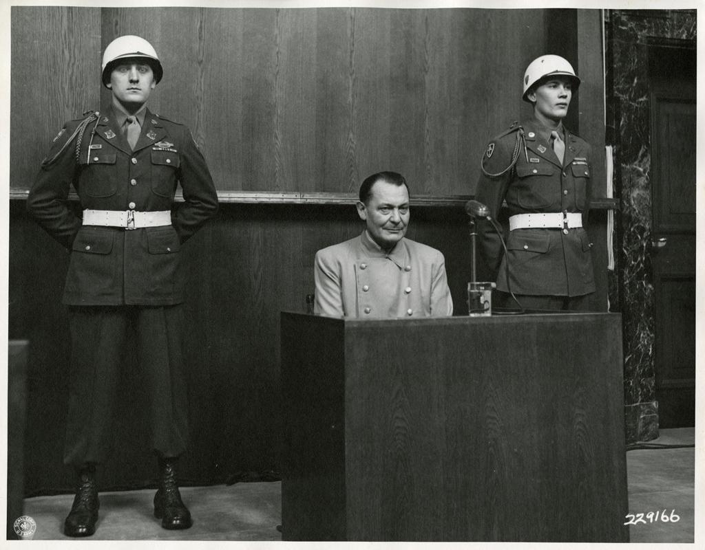 Hermann_Göring_on_trial_at_Nuremberg_1946