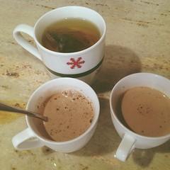 hong kong-style milk tea(0.0), salep(0.0), food(0.0), dish(0.0), hot chocolate(0.0), caff㨠macchiato(0.0), caff㨠americano(0.0), espresso(1.0), cup(1.0), atole(1.0), coffee milk(1.0), caf㩠au lait(1.0), coffee(1.0), coffee cup(1.0), masala chai(1.0), drink(1.0), latte(1.0), caffeine(1.0),