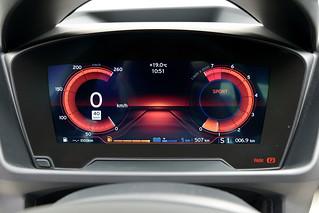 BMW-2014-i8-Int-11