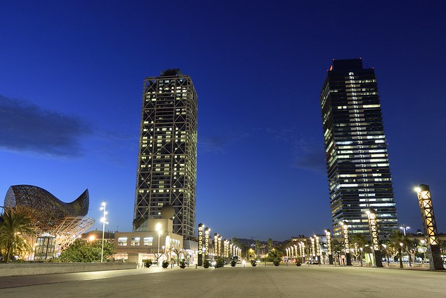 Reto hora azul: Mapfre towers in the blue hour