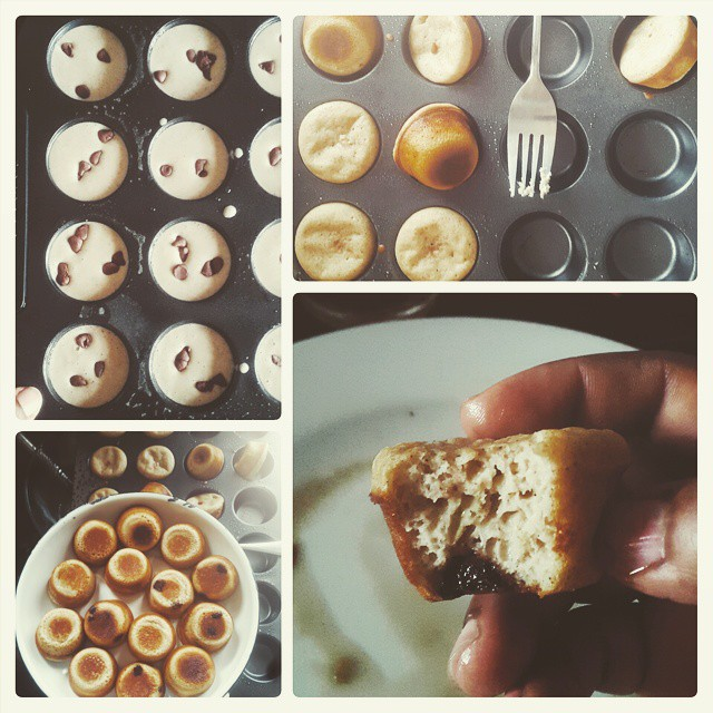 Breakfast. Baked pancake mini muffins. Plain chocolate chips. Chocolate chips with orange.  Served with maple syrup and mint tea.  Devoured.  Crunchy exteriors, soft centres.  Thank you @thepioneerwoman  #PhotoGrid #breakfast #kitchenbutterfly #pancakes