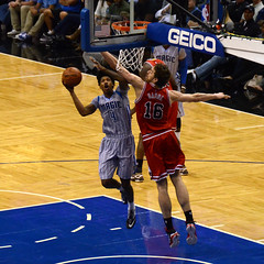 championship(1.0), sports(1.0), basketball moves(1.0), team sport(1.0), basketball player(1.0), ball game(1.0), basketball(1.0), slam dunk(1.0), tournament(1.0),