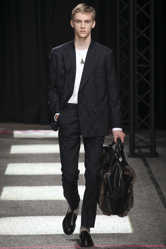 Dominik Sadoch3259_FW15 Paris Paul Smith(VOGUE)