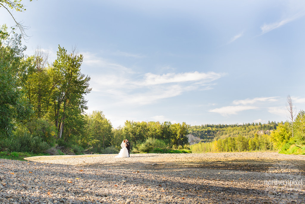 Cottonwood Island Park Wedding Photos - Prince George BC