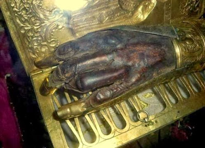 mana stanga a Sfantului Sfintit Mucenic Haralambie