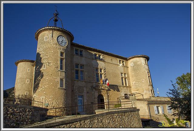 Chateau de Rustrel 01