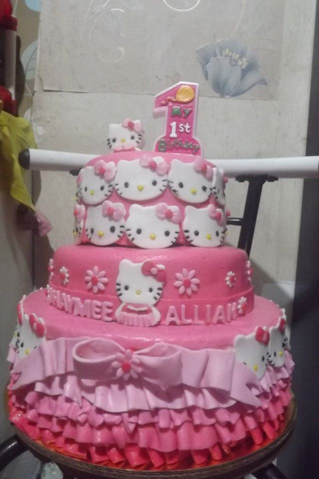 Anne Chavez Cajandab's Hello Kitty Cake