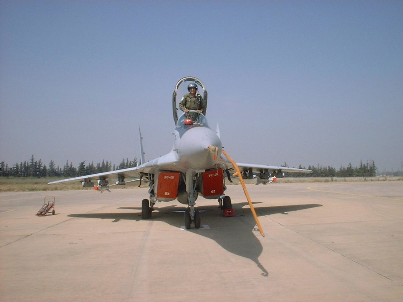 صور طائرات القوات الجوية الجزائرية  [ MIG-29S/UB / Fulcrum ] 27363446081_743337d173_o
