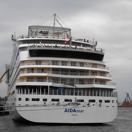 AIDAMar - Hamburg Cruise Terminal Altona by chrisLgodden