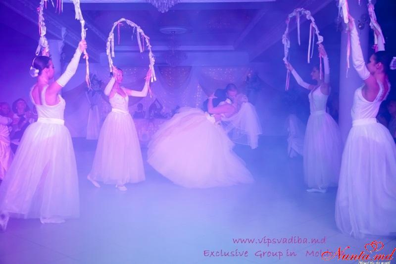 Dansul mirilor de la Exclusiv Dance Studio! iarna 90 lei o lectie! > Foto din galeria `Dansul mirilor in Scoala de dans Exclusiv`