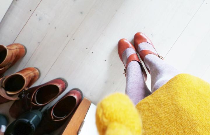 vintage-mustard-dress-pale-pink b