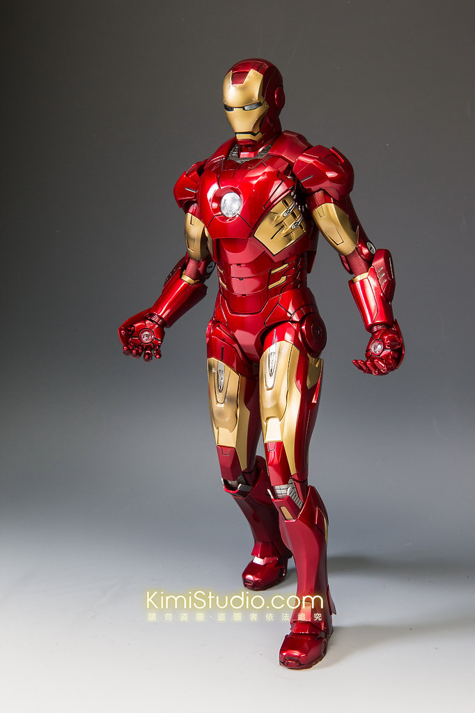 2013.06.11 Hot Toys Iron Man Mark VII-052