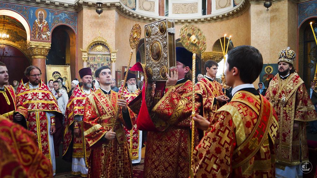 24 июля 2013, Торжественное богослужение в честь 15-летия обретения мощей священномученика Илариона, архиепископа Верейского, в Воскресенском Новодевичьем монастыре Петербурга