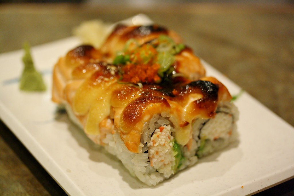 avocado and eel salmon avocado roll avocado salmon roll eel sushi roll ...