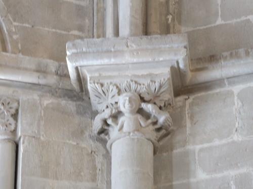 Iglesia de San Miguel de Foces - Capitel en el interior 3