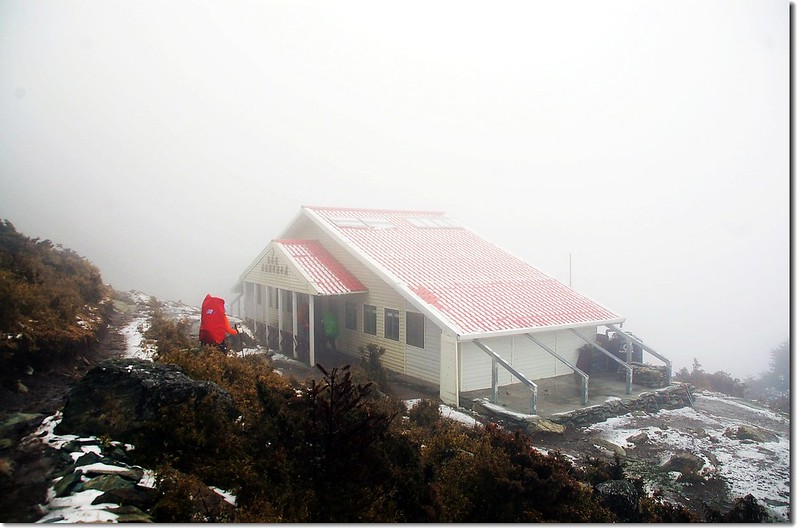 嘉明湖避難山屋 1