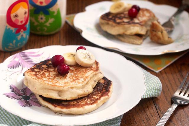 Banana Eggnog Pancakes