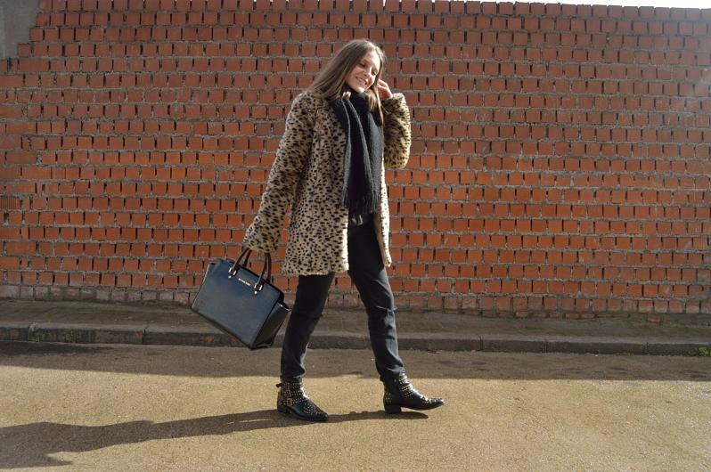 lara-vazquez-madlula-blog-leopard-faux-fur-coat