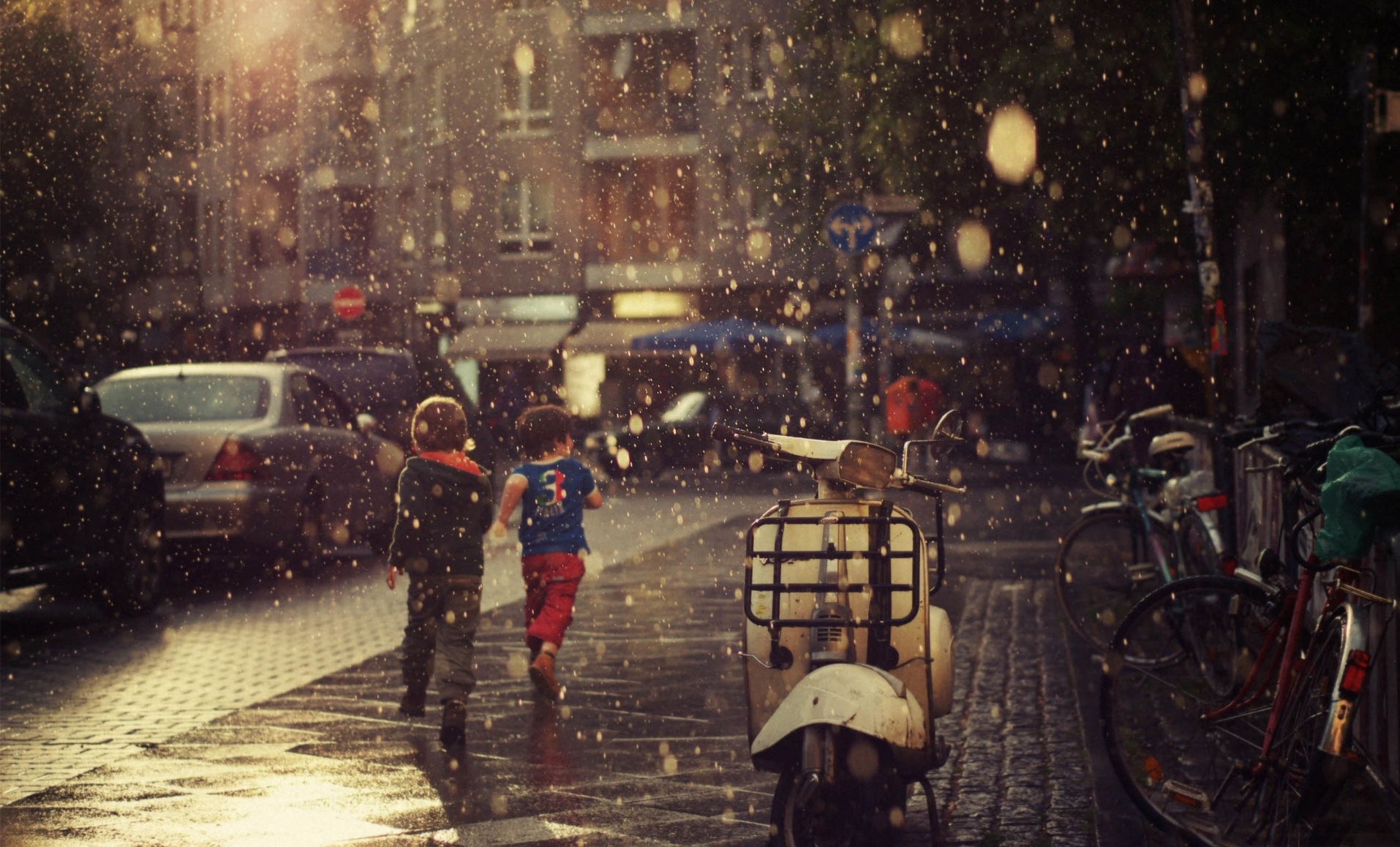 Children Running while raining - Top 10 HD Raindrop Wallpapers for Your Desktop
