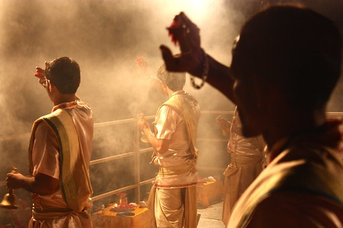 Sundown ceremony on the banks of the Ganges