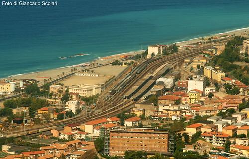 merci stazione paola treno calabria ferrovia cosenza e402