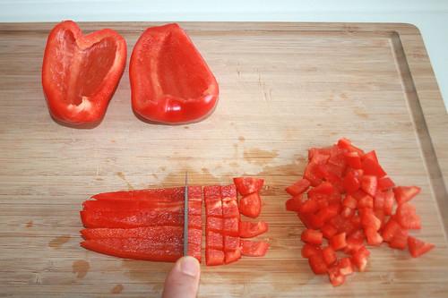 12 - Paprika würfeln / Dice bell pepper