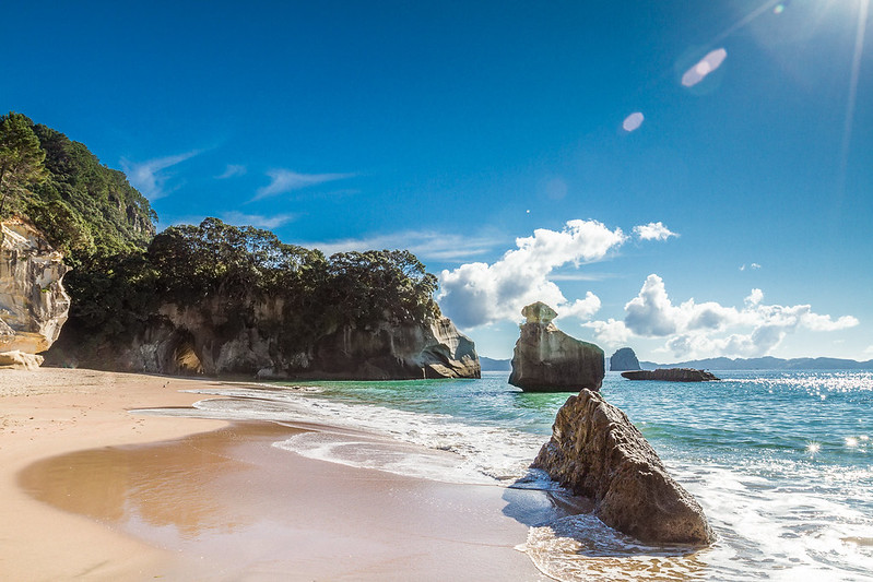 Cathedral-Cove-New-Zealand