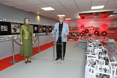 Maryam Rajavi with Hatham Maleh on exhibition on Syrian people's resistance