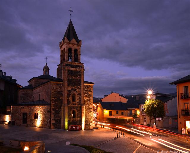 Iglesia de San Andres al anochecer