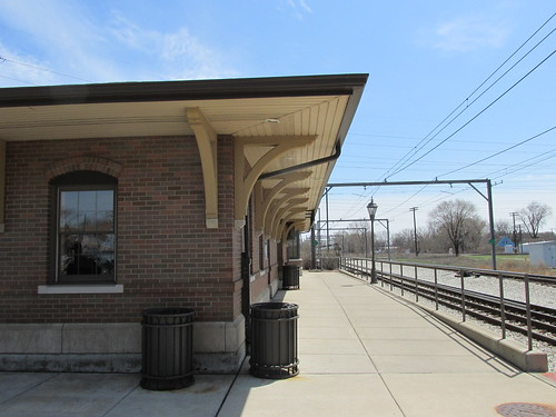 The Hegwish Illinois (Chicago) commuter rail station.  Sunday, April 21st, 2013. by Eddie from Chicago