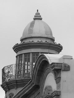 Image of Edificio de las Mariposas. blancoynegro faro torre bn mariposas almería edificiodelasmariposas safecreative1305125094385