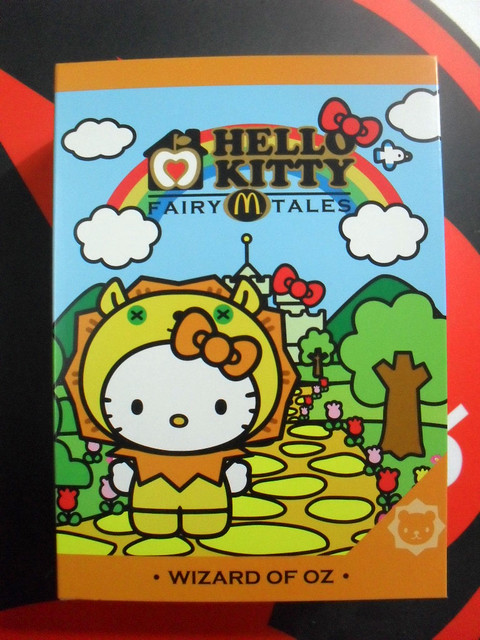 HELLO-KITTY-WIZARD-OF-OZ-02