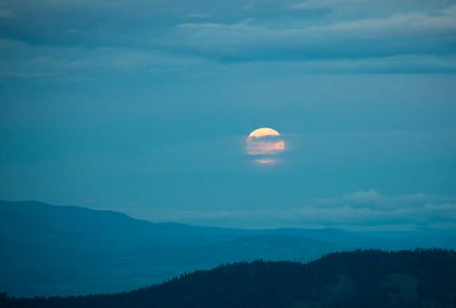 washington unitedstates fullmoon moonrise loomis centralwashington dnr okanogancounty okanoganvalley loomisstateforest